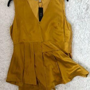 Tops - Banana Republic blouse